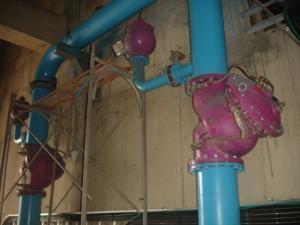 緩閉逆止閥與水錘吸收器二-工業供水